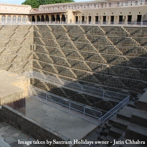 Taxi service from Delhi to Chand Baori from Santram Holidays