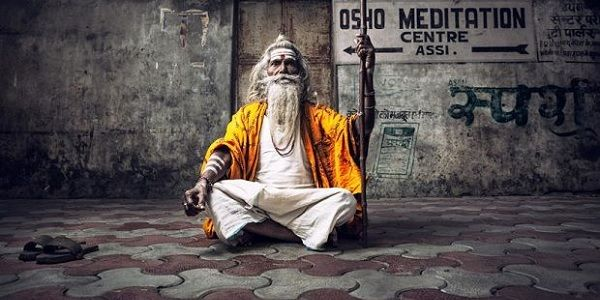 Explore Varanasi with Golden Triangle