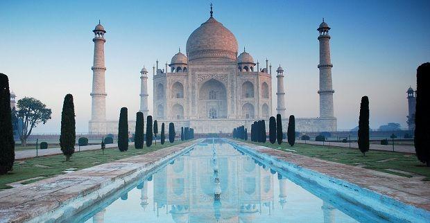Taj Mahal Tour Guides