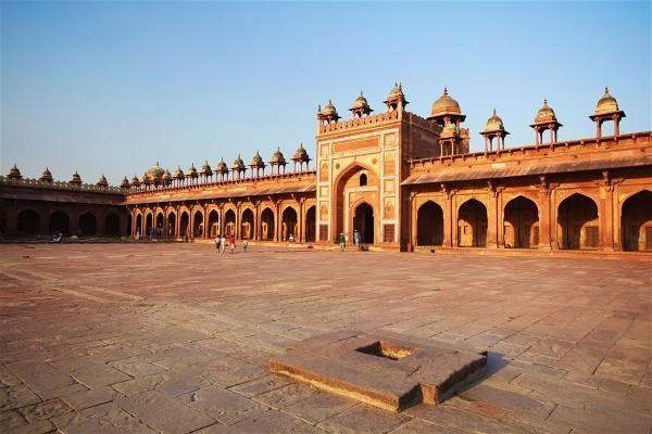 Visit Fatehpur Sikri near Agra