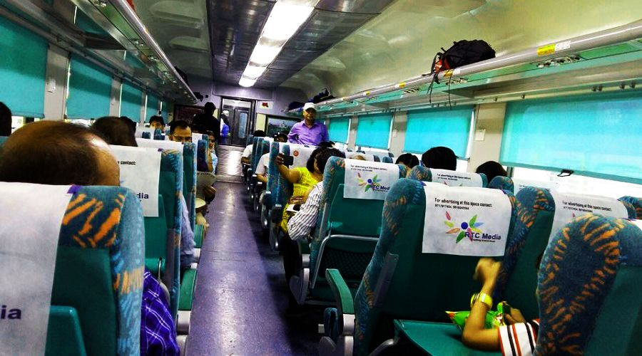 Delhi to Taj Mahal train