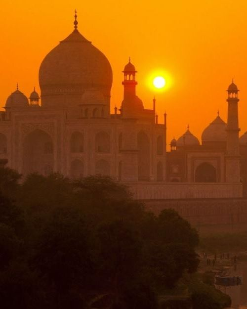 Sunrise at Taj image